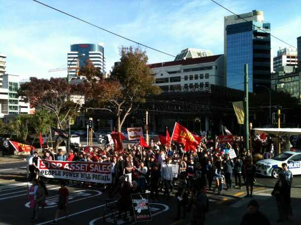 Hundreds descend on Parliament. Photo credit: Grant Brookes