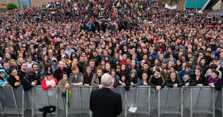 Jeremy-Corbyn-ResumesED-Labours-Election-Campaign-With-Visits-In-The-North-East